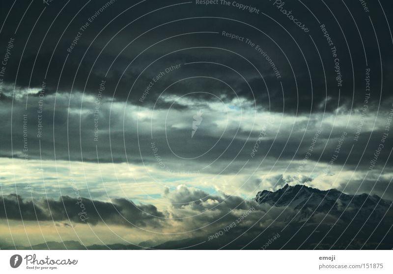 Tears in Heaven Himmel Wolken Berge u. Gebirge Luft Wetter bedrohlich Alpen Niveau Unwetter Schweiz Gewitter schlechtes Wetter Gewitterwolken Naturphänomene Wolkendecke Luzern