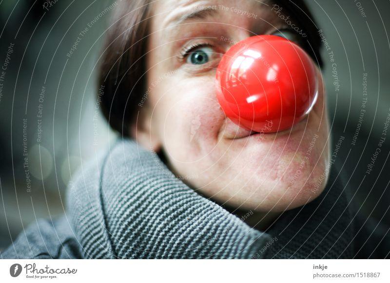 Knollnase Mensch Frau rot Freude Gesicht Erwachsene Leben Gefühle lustig Lifestyle Feste & Feiern Freizeit & Hobby Fröhlichkeit Lächeln Nase rund