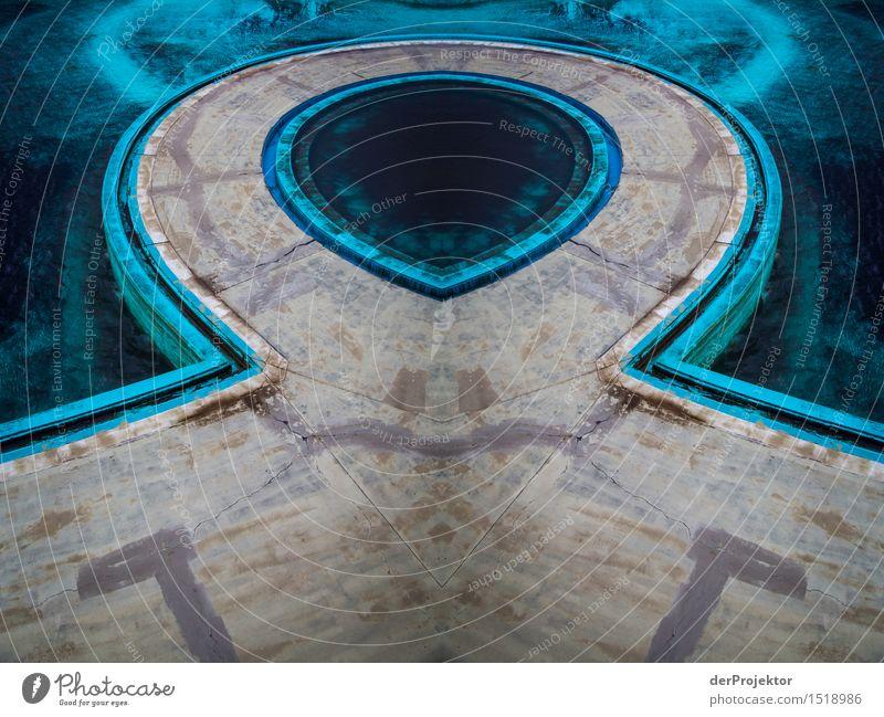 Ein Pool im Pool Ferien & Urlaub & Reisen blau Ferne Winter Umwelt Auge Gefühle Kunst Schwimmen & Baden Tourismus Ausflug Beton beobachten Abenteuer Coolness Sauberkeit