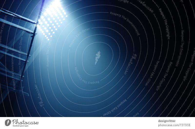 Bei Werder zu Hause Licht Lampe Lichtschein Beleuchtung Stadion Spielen Erfolg Verlierer Fan Ballsport Scheinwerfer Heimspiel Werder Havel