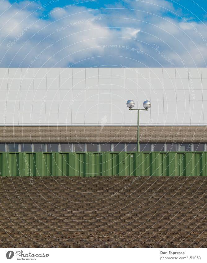 Sauber und ordentlich! Wolken Himmel Linie gerade horizontal Lampe Laterne gestreift Sauberkeit Ordnung graphisch einfach Bremerhaven Deich aufräumen clean