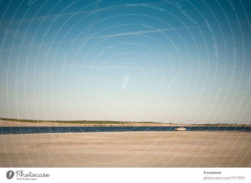 Trabiator Wasser Himmel Sommer Strand Ferien & Urlaub & Reisen See PKW Sand Erde KFZ Wüste DDR Schönes Wetter Karton Nostalgie sehr wenige