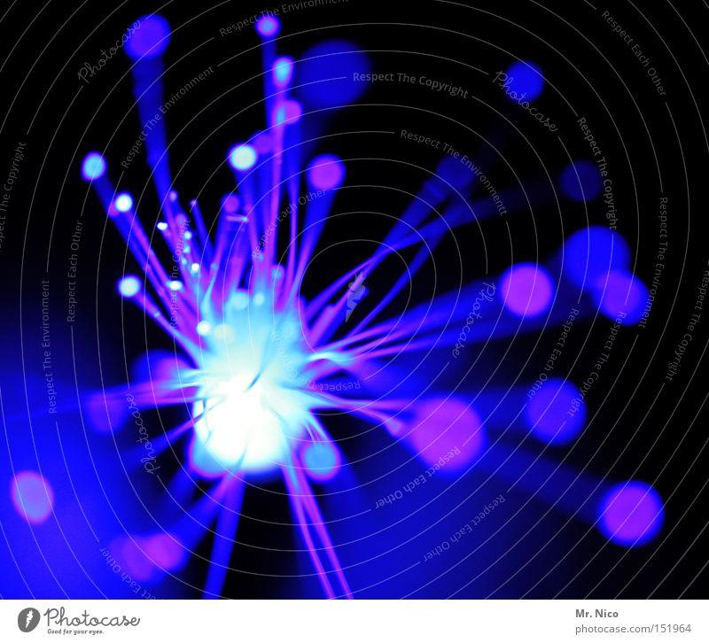 blaulicht  - 1 - Explosion Lichtspiel Kunstwerk Feuerwerk Silvester u. Neujahr Farbfleck Siebziger Jahre Lichtpunkt Knall Lichtstrahl obskur blue leuchten