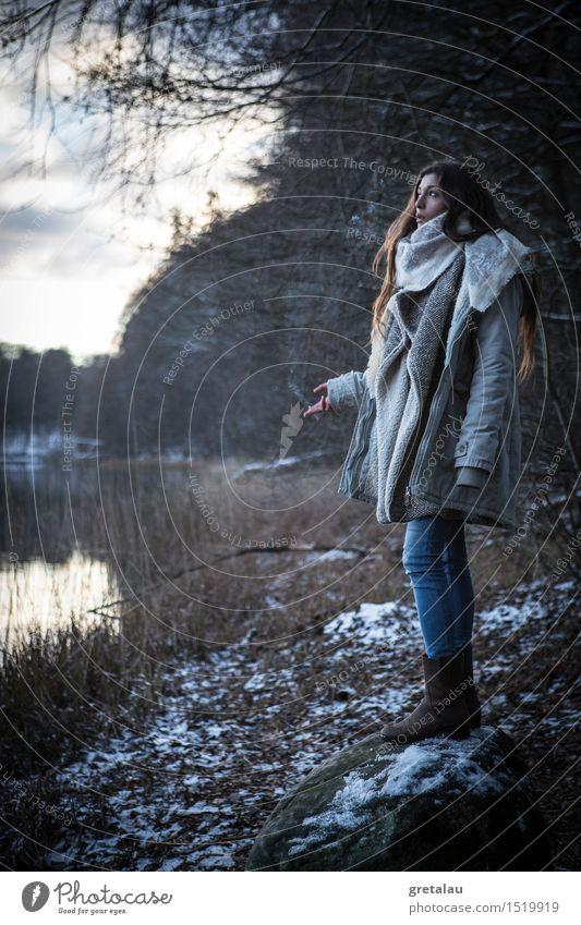 smoke on sunday Mensch Himmel Natur Jugendliche Junge Frau Baum Erholung Landschaft Winter 18-30 Jahre Wald Erwachsene Umwelt Leben Schnee feminin