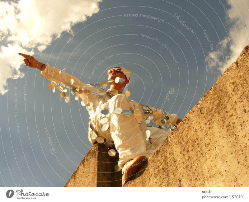 glamour Mensch Himmel Freude Mauer hoch Bekleidung Körperhaltung Anzug Baumkrone durcheinander König Kronleuchter