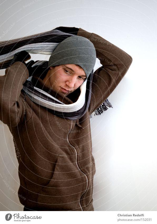 Mode Mensch Mann Winter Bekleidung Model Mütze trendy Aussehen Piercing Handschuhe Schal Schmuck