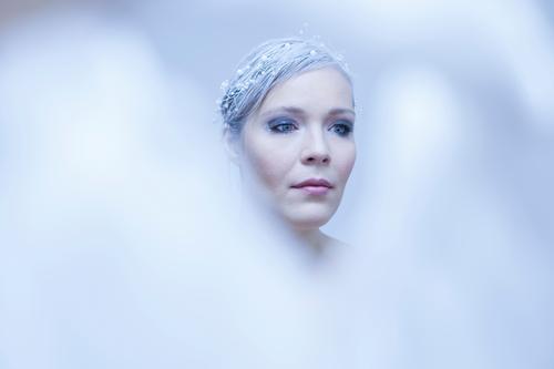 Schneekönigin Mensch Frau Jugendliche blau schön Junge Frau weiß Winter 18-30 Jahre kalt Erwachsene feminin außergewöhnlich hell Märchen