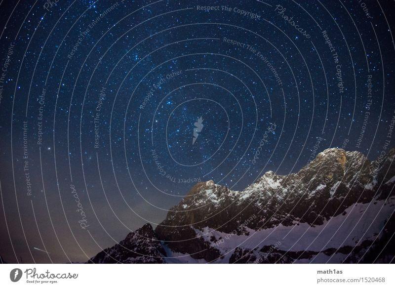 Dachstein Milchstraße Nachthimmel Stern Horizont Schnee Gipfel Schneebedeckte Gipfel Kraft stagnierend Stimmung Wunsch Farbfoto Menschenleer Panorama (Aussicht)