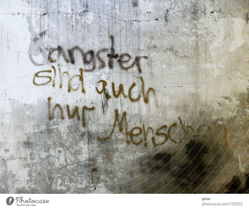 Klingt ganz logisch! Wand Mauer Graffiti Kunst Schriftzeichen Kultur Information verfallen Typographie Oberfläche Text Krimineller gestalten Tagger Handschrift