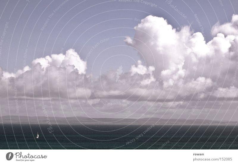Weite Meer Ferne ruhig Segelboot Sportboot Segeln Wolken See Wasserfahrzeug Ferien & Urlaub & Reisen Himmel Schifffahrt Freizeit & Hobby Jacht