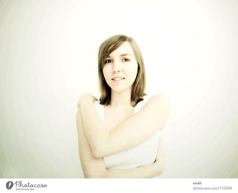 On a besoin de quelqu'un qui te prends dans les bras Porträt weiß Umarmen Frau lachen grinsen white hug woman
