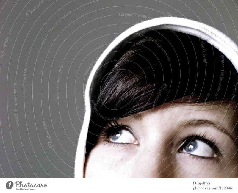 The Colour Of Snow Frau Einsamkeit Winter Erwachsene Gesicht Ferne Fenster kalt Haare & Frisuren Traurigkeit Denken träumen Trauer Momentaufnahme Kapuze