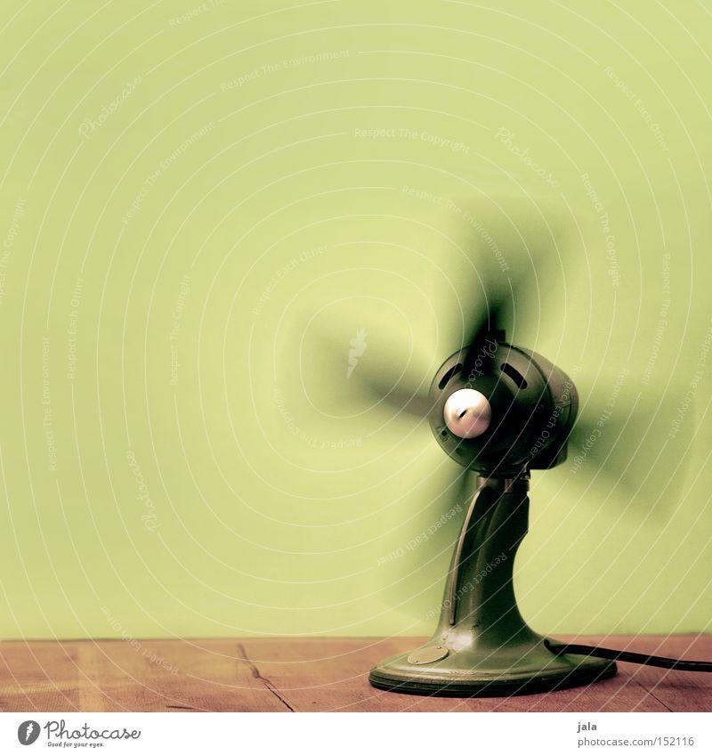 frischer wind fürs neue jahr alt grün Bewegung braun Luft drehen Schwung Drehung kühlen Elektronik Kühlung Ventilator Antiquität Lüftung Elektrisches Gerät