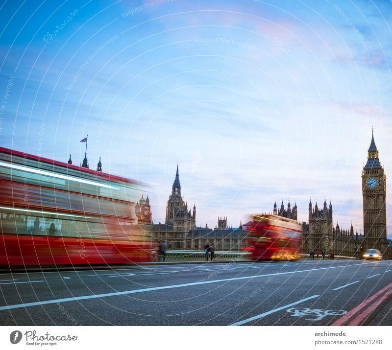 London Skyline in der Dämmerung Ferien & Urlaub & Reisen Ausflug Fluss Stadt Verkehr Straße Bewegung Geschwindigkeit Big Ben Großbritannien Wahrzeichen Brücke
