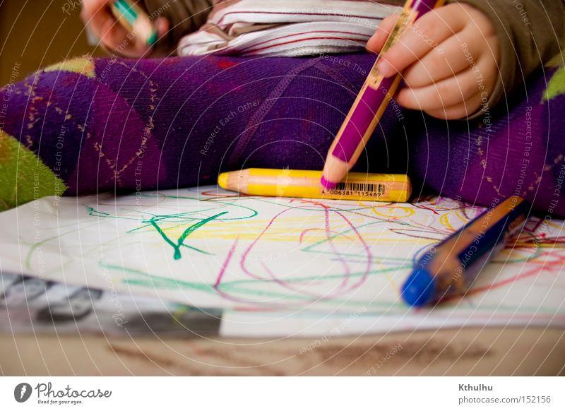 Master of Fine Arts Kind Farbe Spielen Kunst Papier Handwerk Schreibstift Gemälde Kleinkind Strumpfhose Künstler Farbstift