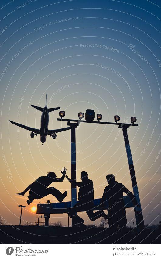 Urlaub! sportlich Fitness Freizeit & Hobby Ferien & Urlaub & Reisen Tourismus Abenteuer Freiheit Sommerurlaub Luftverkehr Junger Mann Jugendliche Freundschaft 3