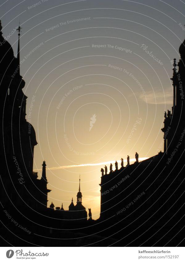 Altstadt Dresden Abend Sonnenuntergang Gegenlicht Himmel Abenddämmerung Silhouette Barock Kirche