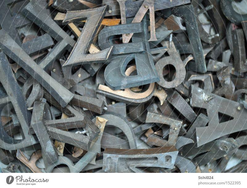Buchstabensalat Metall Schriftzeichen Ziffern & Zahlen lesen braun Ordnungsliebe Langeweile chaotisch Desaster Misserfolg Griechisches Alphabet