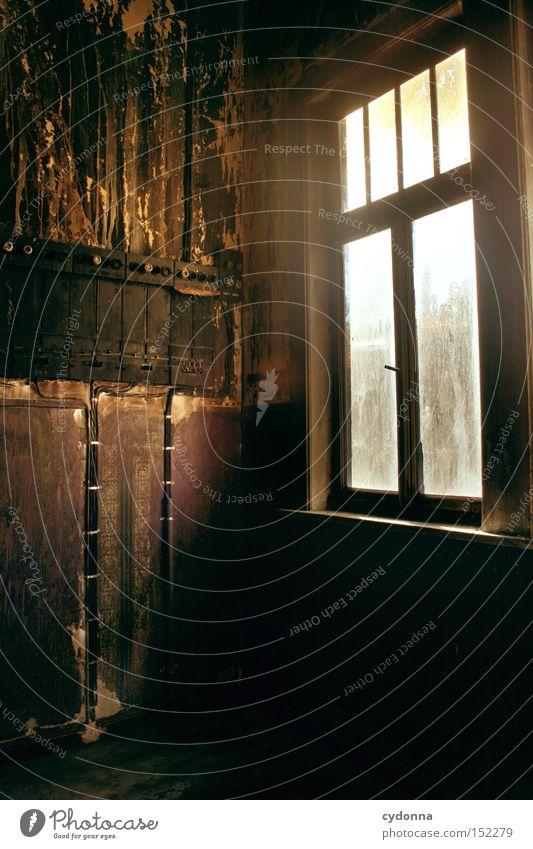 Technik die begeistert Einsamkeit Haus Fenster Zeit Raum Häusliches Leben Technik & Technologie Vergänglichkeit verfallen Nostalgie Villa Klassik altmodisch Leerstand Jahrhundert