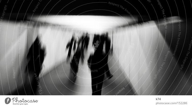rabbit in your headlights II Mensch Einsamkeit Angst gehen laufen rennen Tunnel Panik anonym Gang Platzangst Deckenbeleuchtung