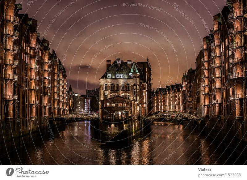 harbor night... Wasser Hafenstadt Altstadt Bauwerk Gebäude Architektur Fassade Balkon Sehenswürdigkeit Wahrzeichen Denkmal glänzend außergewöhnlich dunkel