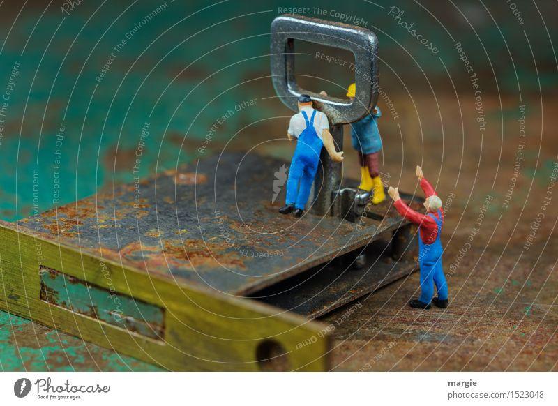 Miniwelten - Schlüsselgewalt Mensch Mann grün Erwachsene Arbeit & Erwerbstätigkeit maskulin Tür Technik & Technologie Baustelle Sicherheit