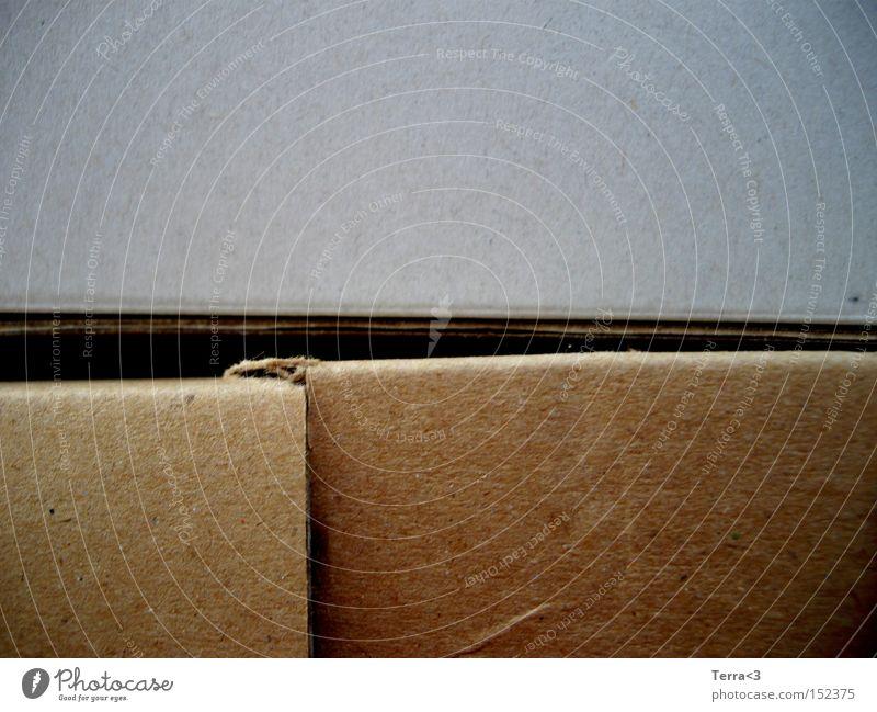 Geschenke auspacken grau braun Papier geheimnisvoll Umzug (Wohnungswechsel) Karton Furche graphisch Verpackung einpacken verhüllen Umzugskarton