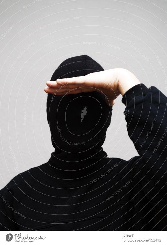 Aussicht Mann Hand Gesicht schwarz Ferne Arme Finger Konzentration anonym Kapuze Aussehen gestikulieren verkleiden Söldner Soldat Krimineller