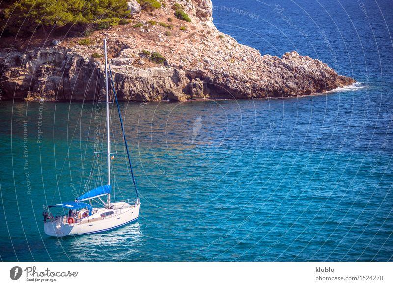 Blaues Meer und Lieferung in Menorca, Spanien Himmel Natur Ferien & Urlaub & Reisen blau schön grün Sommer Baum Sonne Landschaft Strand Küste Sand Felsen