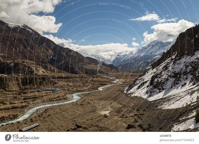 Ansicht des Tales bei Manang Village auf dem Annapurna-Stromkreis Natur Ferien & Urlaub & Reisen Landschaft Wolken Berge u. Gebirge Tourismus wandern Aussicht
