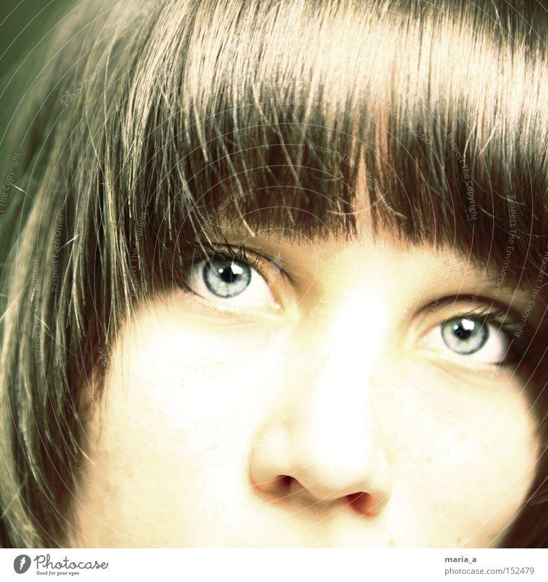 augenblick Frau blau Auge Haare & Frisuren Denken hell Konzentration Selbstportrait Momentaufnahme Regenbogenhaut dominant Gesicht