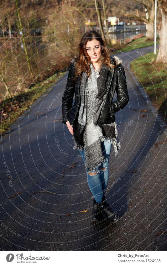 chris_by_fotoart Mensch Frau Jugendliche schön Freude 18-30 Jahre Erwachsene natürlich Stil Glück Lifestyle Mode 13-18 Jahre stehen Fröhlichkeit Lächeln
