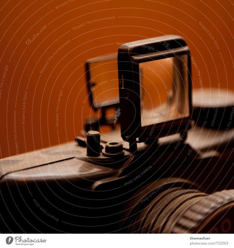 50. Fotokamera Mittelformat Nostalgie Vergangenheit analog Tradition Sucher Erinnerung Jubiläum Freude Qualität 6x6 Pouva Start funktionstüchtig unkaputbar
