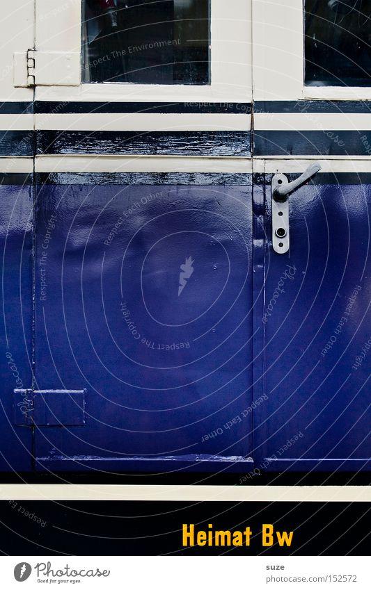 Heimat blau Wohnung Verkehr Eisenbahn fahren Schriftzeichen Buchstaben Gleise Fahrkarte Zugabteil Eisenbahnwaggon Verspätung