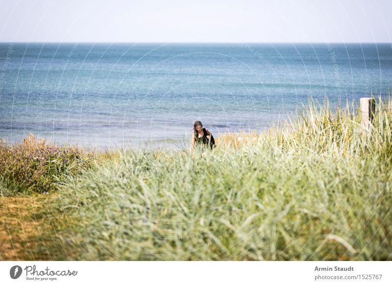Dünenwanderung Lifestyle harmonisch Erholung ruhig Ferien & Urlaub & Reisen Tourismus Ausflug Sommer Sommerurlaub Strand Mensch feminin Junge Frau Jugendliche
