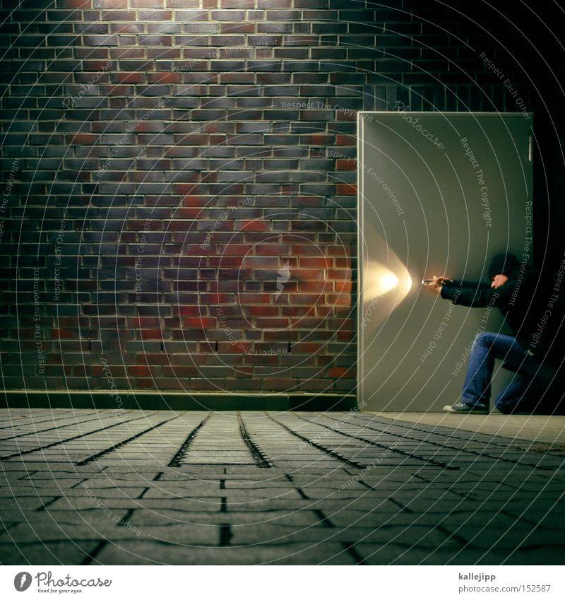 stop Mensch Mann Wand Mauer Architektur Tür Suche Sicherheit Ziel entdecken Backstein Parkplatz forschen Sicherheitsdienst Taschenlampe Inhalt