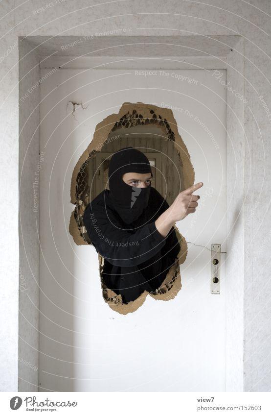 Gestik Mensch Mann Erwachsene Leben sprechen Tür Arme Innenarchitektur maskulin 18-30 Jahre Maske Zeichen Wut Umzug (Wohnungswechsel) Mütze Loch
