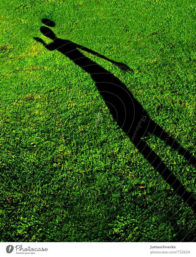 Der Schattenmann Jugendliche Sport Spielen Gras Fußball Erfolg Ball Rasen Sportrasen Kopfball