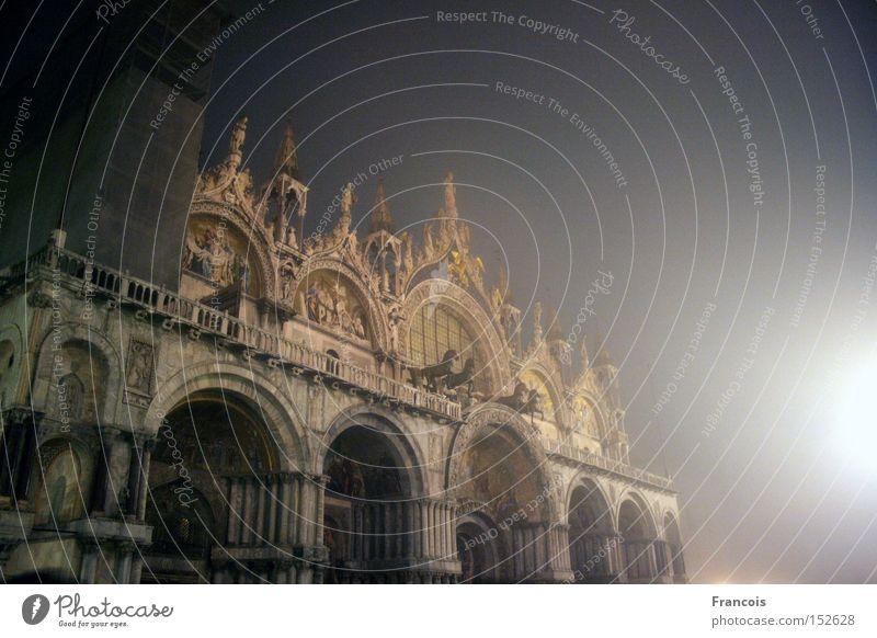 Markusdom Venedig Italien San Marco Basilica Nacht erleuchten Gotteshäuser Venezia Marcusdom Piazza Religion & Glaube Dom Ferien & Urlaub & Reisen Tourismus