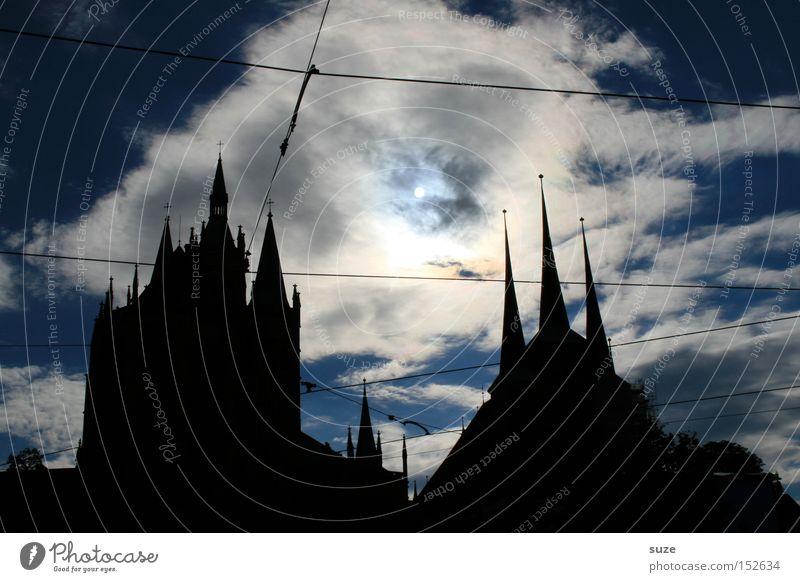 Dunkle Macht Himmel alt Sonne Wolken schwarz dunkel Umwelt Tod Feste & Feiern außergewöhnlich Kunst Angst fantastisch Spitze bedrohlich Kirche