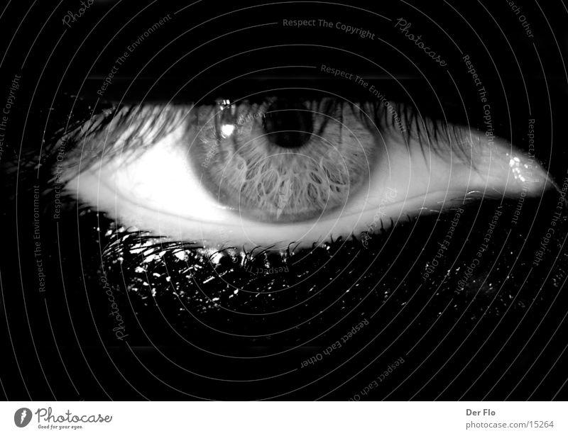 Augenblick Mann weiß schwarz Auge dunkel