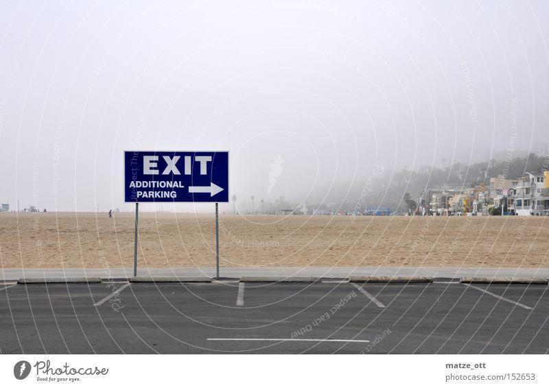 Wo geht´s raus? Strand Sand Küste Hinweisschild Verkehrswege Parkplatz parken Kalifornien Los Angeles