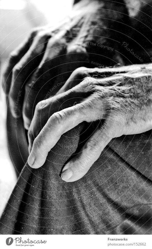 Spuren. Mann alt Senior Denken Haut Zeit Hautfalten Mensch Falte Vergangenheit Großvater Weisheit