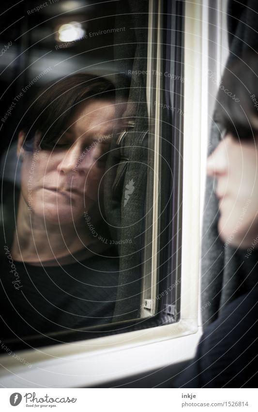nighttrain Mensch Frau Ferien & Urlaub & Reisen Gesicht Erwachsene Leben Lifestyle Abteilfenster Stimmung Freizeit & Hobby Verkehr schlafen Müdigkeit