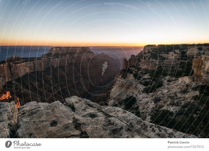 Sonnenuntergang am Grand Canyon Zufriedenheit Sinnesorgane Erholung Ferien & Urlaub & Reisen Tourismus Abenteuer Freiheit Sommer Berge u. Gebirge wandern Natur
