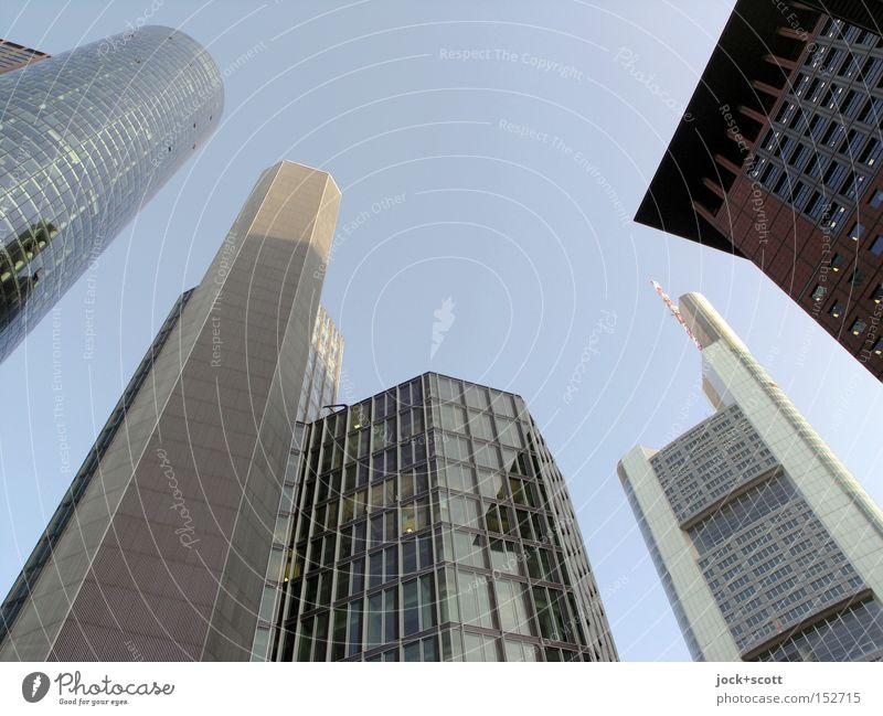 FFM blau Stadt Sommer Fenster gelb Architektur Zeit Horizont Fassade Business modern mehrere Hochhaus groß hoch Macht