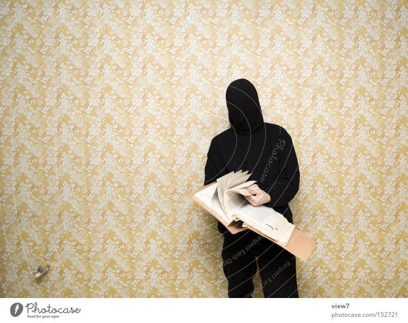 Auskunft Mann schwarz dunkel Erwachsene lernen Suche authentisch Stoff retro bedrohlich lesen außergewöhnlich Neugier Maske dünn Schriftstück