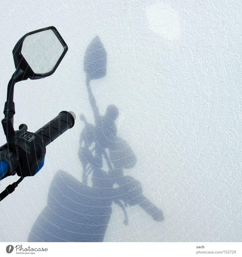 Mopedfahrer sind bessere Menschen Kleinmotorrad Motorrad Spiegel Rückspiegel Schatten fahren Tretroller Verkehr Mobilität Motorsport Freizeit & Hobby