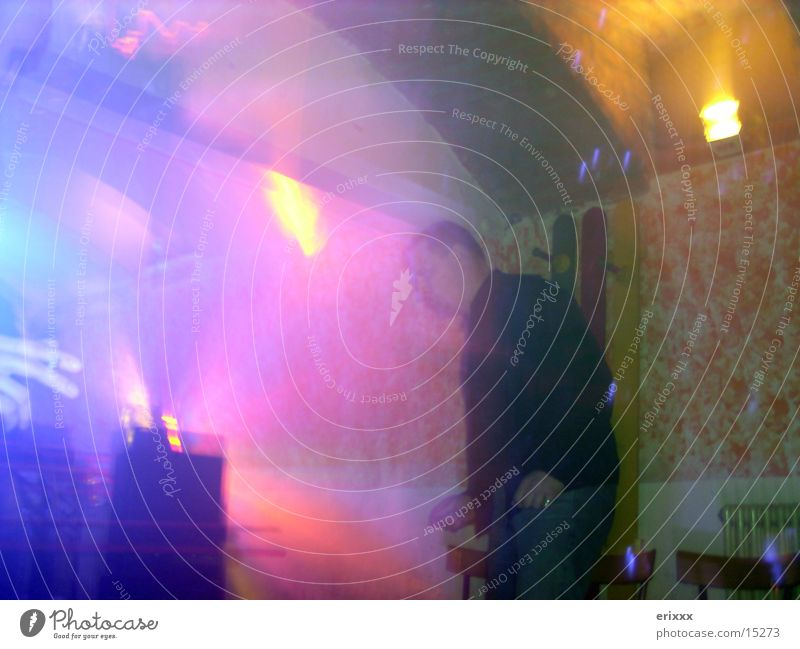 CLUBBING Club Abend Party mehrfarbig Langzeitbelichtung