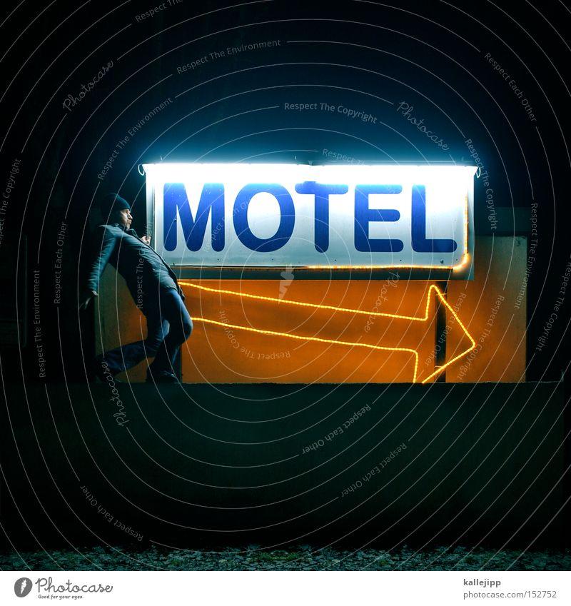 moulin rouge Motel Hotel Pfeil Penis Lust Bordell Symbole & Metaphern schlafen frei Mann Mensch Schweinerei Ferkel schanzverlängerung Phallussymbol
